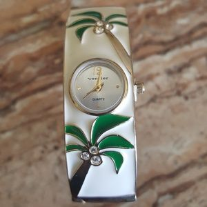 Vernier quartz bangle watch